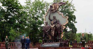 В Луганске диверсантами был взорван памятник погибшим ополченцам